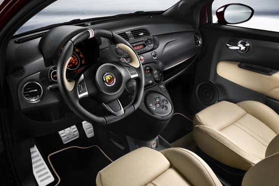 Abarth 695 Maserati Edition Interior