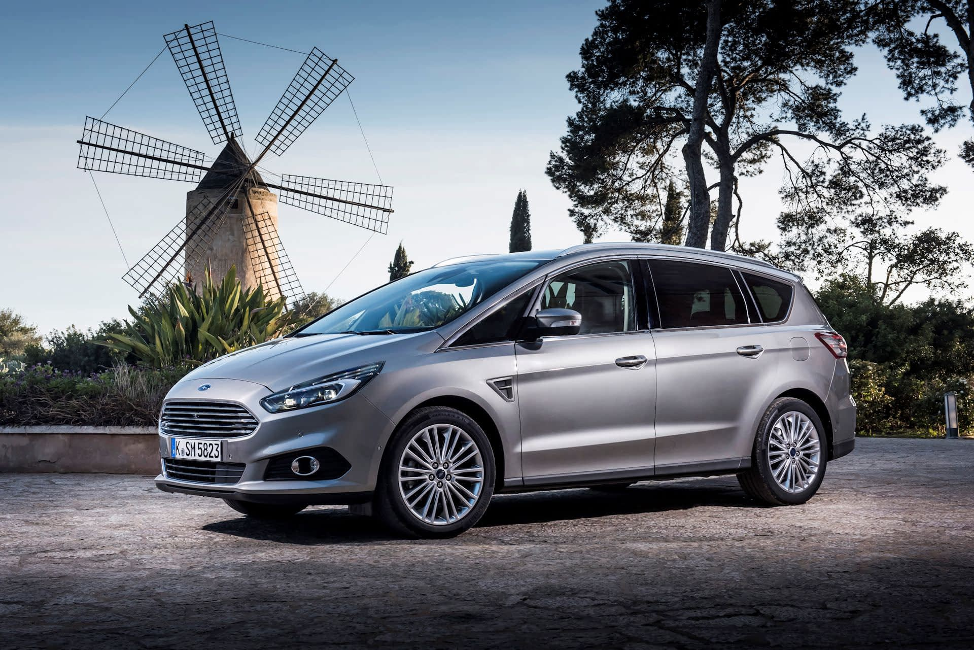 Ford S-Max Static 03